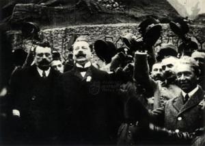 Václav Klofáč při přísaze někdejších rakousko-uherských důstojníků a vojáků na Staroměstském náměstí 8. listopadu 1918