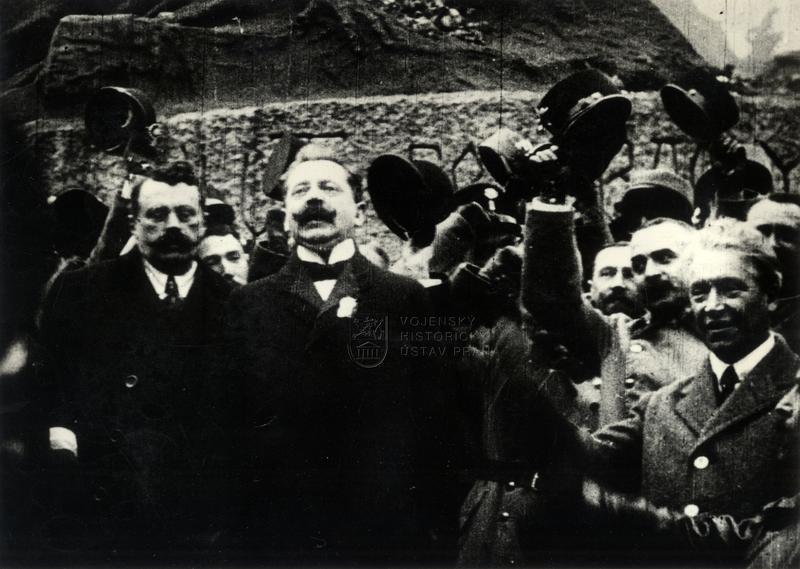 Václav Klofáč při manifestační přísaze Československu