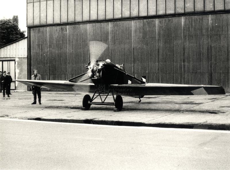 Kurýrní letoun Avia Bk-11