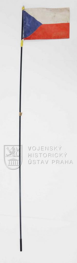 Anténa s vlajkou ČR z automobilu od PRT Lógar