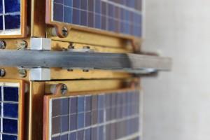 Fotografie antény a solárních panelů před restaurováním.FOTO: Jakub König