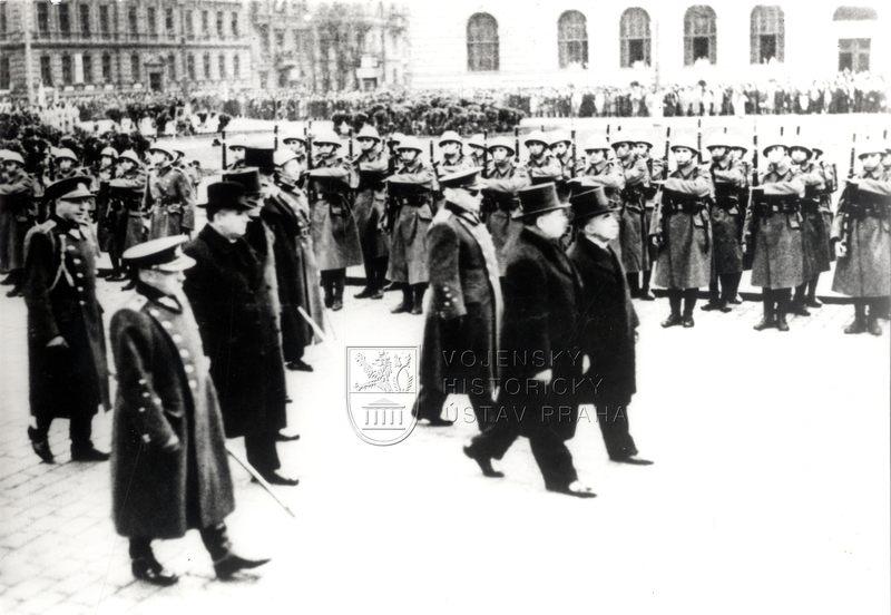 Emil Hácha při prezidentské volbě 30. 11. 1938