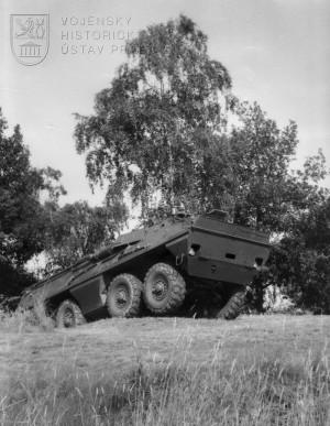 Obrněný transportér OT-64 SKOT
