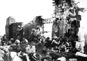 Bojující francouzští vojáci v roce 1918.