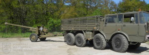 100mm PT kanon vz 53 ze sbírek VHÚ Praha za tahačem Tatra 813 8x8 KOLOS