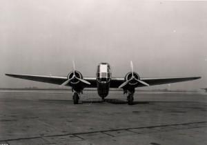 Fokker T.V na letišti