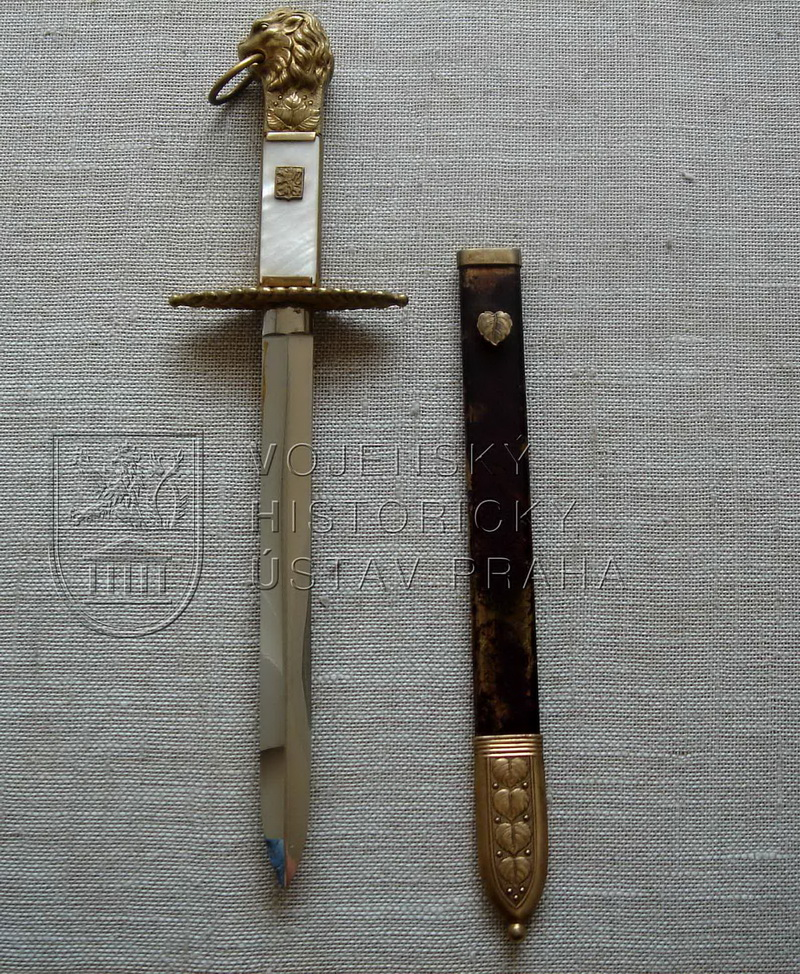 Mečík pro úředníky celní služby vzor 1932