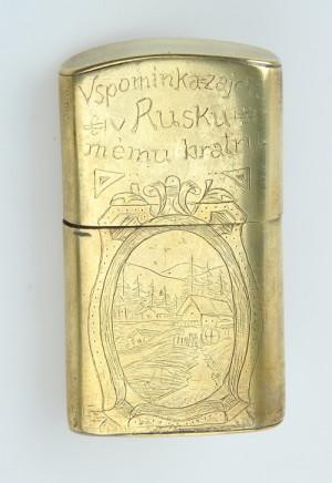 Benzinové zapalovače vyrobené rakousko-uherskými vojáky v zajateckém táboře v Rusku.