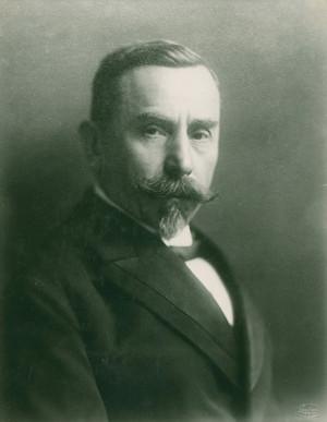 JUDr. Josef Scheiner (1861–1932) – po odstoupení z úřadu nejvyššího správce čs. vojsk jej na konci roku 1918 T. G. Masaryk jmenoval generálním inspektorem čs. vojsk. Na této pozici setrval do konce dubna 1919. (VHÚ Praha)
