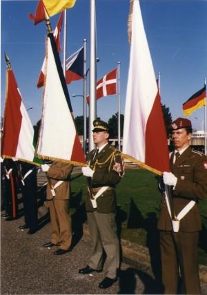 Spolu s Českou republikou se členem aliance stala i Maďarská republika a Polská republika