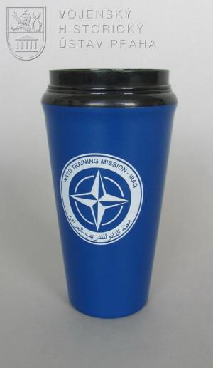 Hrnek výcvikové mise NATO v Iráku