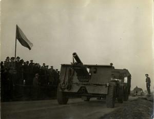 Pětadvacetiliberní kanónová houfnice britské výroby ve výzbroji Československé samostatné obrněné brigády