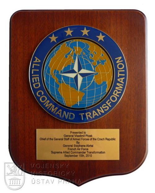 "Plaketa ""ALLIED COMMAND TRANSFORMATION"""