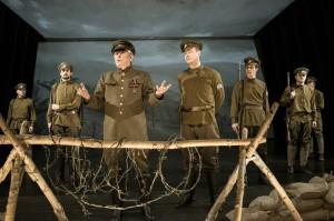 Ukázka z inscenace Národního divadla Plukovník Švec. Uváděno na Nové scéně. FOTO: Petr Neubert/Národní divadlo
