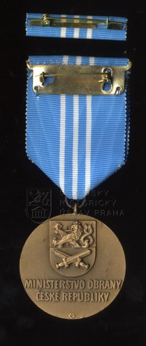 Čestný pamětní odznak za službu v misi SFOR