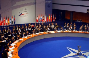 Summit NATO v Praze roku 2002