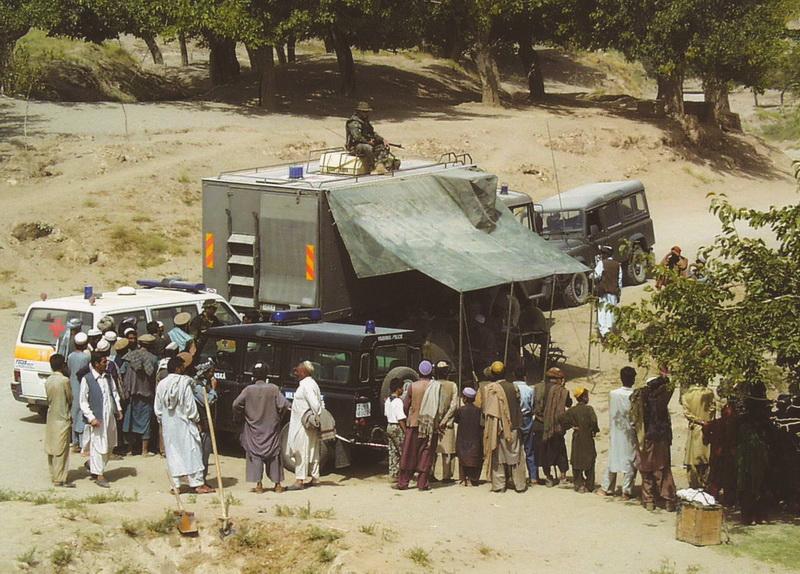 Působení Armády České republiky na území Afghánistánu zahájila 6. polní nemocnice, jejíž mobilní ambulance poskytovala i základní zdravotní péči místnímu obyvatelstvu v okolí Kábulu.