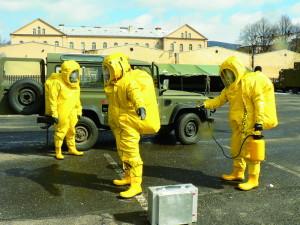V rámci Sil rychlé reakce se Česká republika v roce 2003 zavázala vystavět první mnohonárodní prapor radiační, chemické a biologické ochrany NATO a stát v prvním roce v jeho čele. Jeho nasazení předcházel intenzivní výcvik.