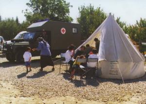 Do stanových městeček uprchlických táborů byly z 6. polní nemocnice vysílány mobilní zdravotnické hlídky, které na místě poskytovaly ambulantní péči.