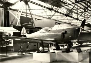 Letoun BAK-01 jakožto exponát v muzeu ve Kbelích