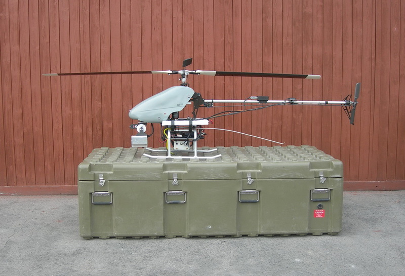 Sestavený vrtulník SR 20 s jednou sadou pohonných baterií, zleva.  FOTO: J. Sýkora