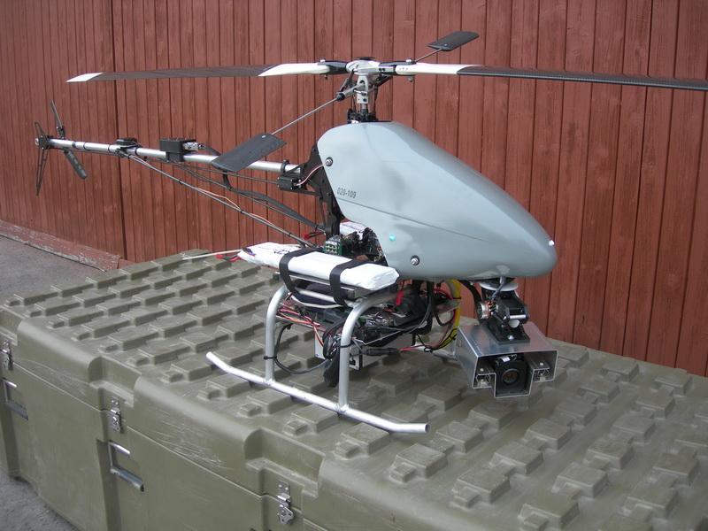 Pohled na elektronickou část vrtulníku s pohyblivou kamerou.  FOTO: J. Sýkora