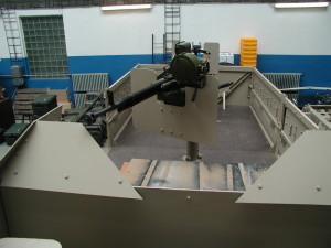 Lehce pancéřované střelecké stanoviště velkorážného kulometu DŠKM.  FOTO: VTÚ