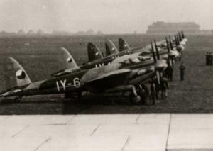 Dvoumotorové bombardéry de Havilland DH.98 Mosquito FB.Mk.VI v československých službách na letišti, poválečné období