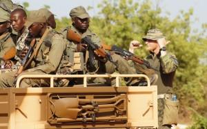 Na základně Koulikoro chrudimští výsadkáři cvičili vojáky ozbrojených sil, které jsou pod kontrolou legitimní malijské vlády.