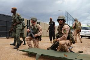 Příslušníci 7. mechanizované brigády při výcviku malijských vojáků