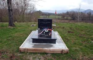 Památník připomínající smrt českého vojáka Václava Martínka na svém novém místě