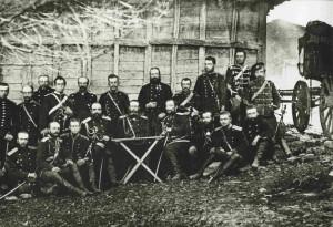 Ruský generál J. V. Gurko (sedící u stolku) se svým štábem, Bulharsko, rok 1877