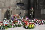 """Vzpomínka na parašutisty, kteří bojovali v červnu 1942: """"Češi se nevzdávají. Nikdy!"""""""