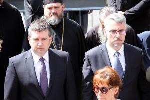 Ministr vnitra Jan Hamáček (vlevo) a ministr obrany Lubomír Metnar