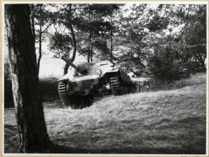 Československé stíhače tanků ST I, dříve Hetzer, při zkouškách v terénu, poválečné období