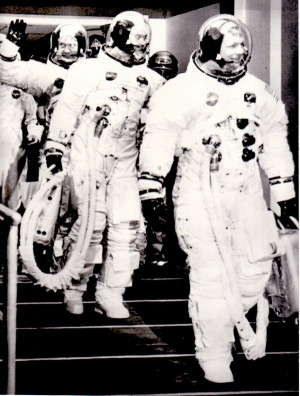 Astronauti z Apolla 11 před startem