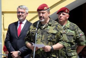 Hovoří náčelník Generálního štábu Armády České republiky,armádní generál Aleš Opata