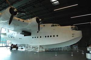 Interiéru muzejní kavárny vévodí létající člun Short Sunderland, jeden z letounů, které hrály rozhodující roli v Bitvě o Atlantik. FOTO: Jaroslav Beránek