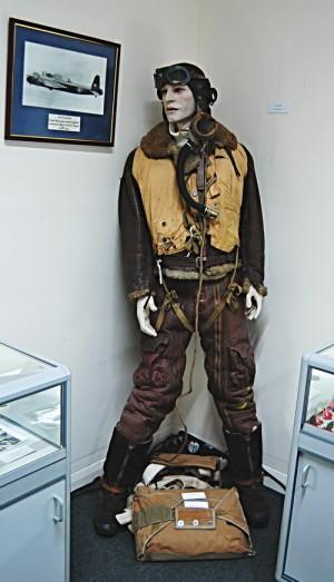 V bunkru je vystavena také letecká kombinéza pilotů RAF. FOTO: Jaroslav Beránek