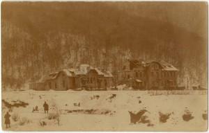 Celnice na rakousko-uherské hranici s Rumunskem poškozená v bojích, 22. leden 1917