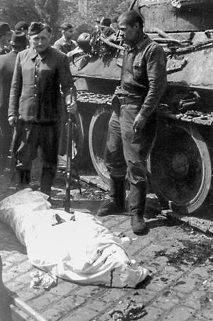 Tělo gardového poručíka Gončarenka, v kartotéce vedeného jako Gančarenko