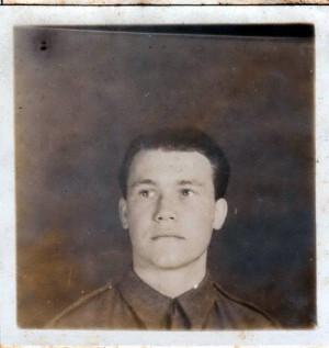 Richard Wadani – Wedenig jako vojín čs. zahraniční armády ve Velké Británii na snímku z jara 1945. FOTO: VA–CR Trnava