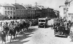 Rudá armáda ve Vilniusu v roce 1939 (IWM)