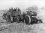 Dělostřelecké tahače Praga IV a Daimler vz. 17 a 15 cm těžká houfnice vz. 15