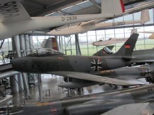 Americký proudový stíhací letoun North American F-86 Sabre, vyvíjený od poloviny čtyřicátých let 20. století, se stal se jedním z nejrozšířenějších západních proudových letounů v prvním období studené války. FOTO: Ivo Pejčoch