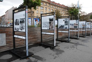 Výstava Together - Společně na Vítězném náměstí v Praze 6