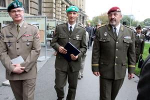 Vpravo náčelník GŠ AČR, armádní generál Aleš Opata