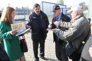 Anatolij Kvočur (vpravo) při setkání s Václavem Vaškem v Leteckém muzeu Kbely