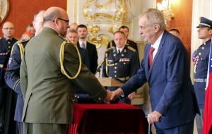 28. října 2019, ředitel VHÚ Aleš Knížek je jmenován prezidentem republiky do hodnosti brigádního generála. Foto MO, Jana Deckerová.