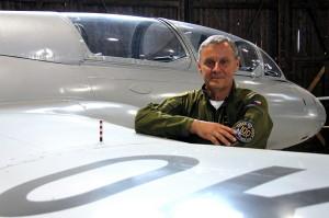U letounu Aero L-29 Delfín v hangáru Staré Aerovky v Leteckém muzeu Kbely